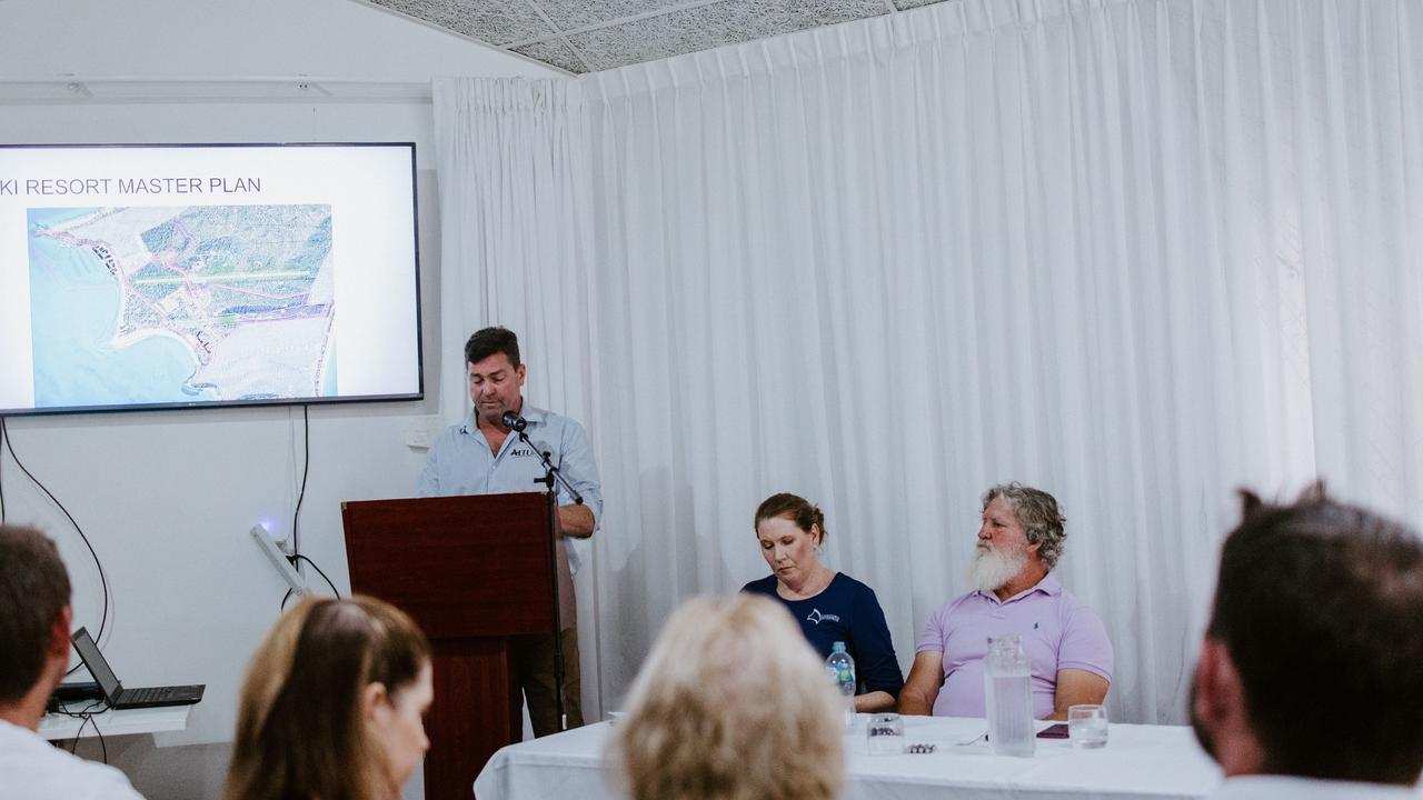 Mr McCready speaking at the GKI Progress Association meeting.
