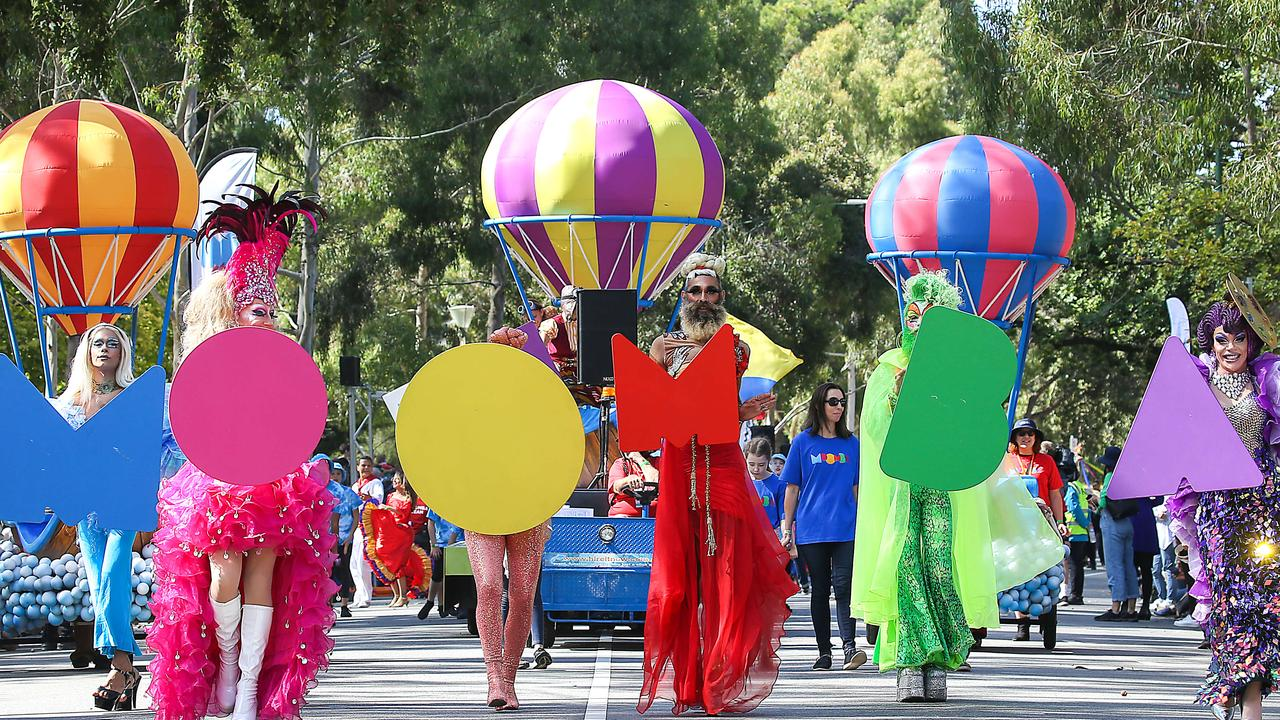 The Moomba Parade winds its way along Birdwood Ave. Picture: Ian Currie
