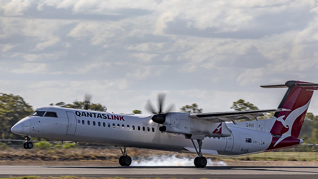 QANTAS de Havilland Dash-8 Q400 VH-LQM.