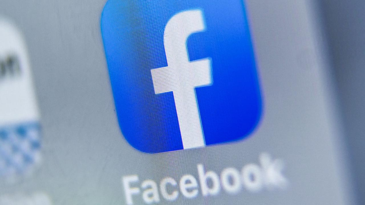 "After wiping all traces of news from the feeds of Aussie Facebook users, a senior exec has apologised for the tech giant's ""mistakes'."