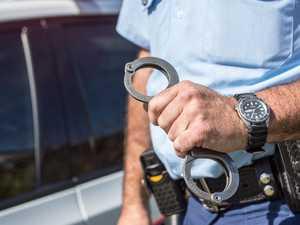 Cop injured during arrest over suspected theft