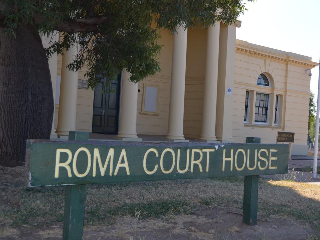 Roma court generic.