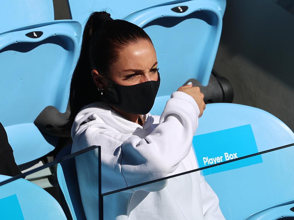 Chiara Passari, girlfriend of Nick Kyrgios watches him play.