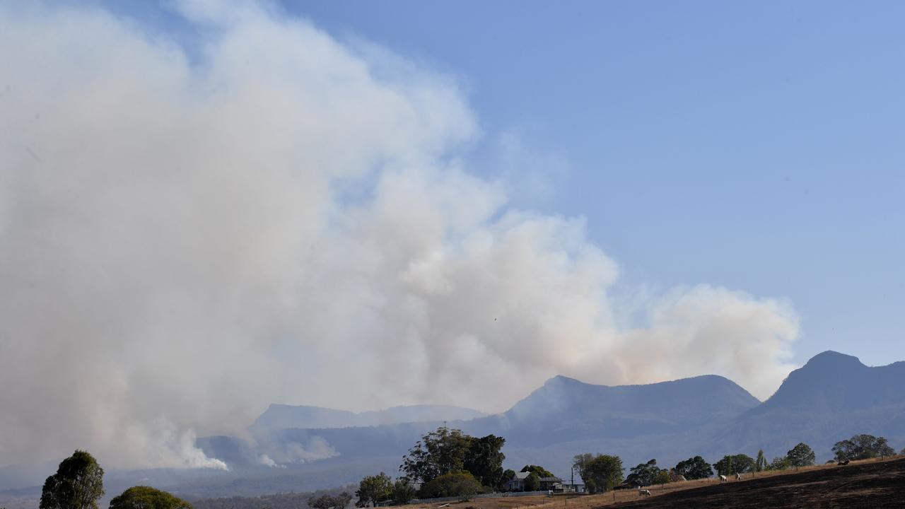 Fires rage on at Main Range National Park near Tarome during 2019's devastating bushfire season. Pic: file photo