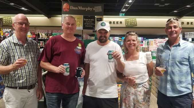 Steven Bradbury stops by Rocky on lager tour