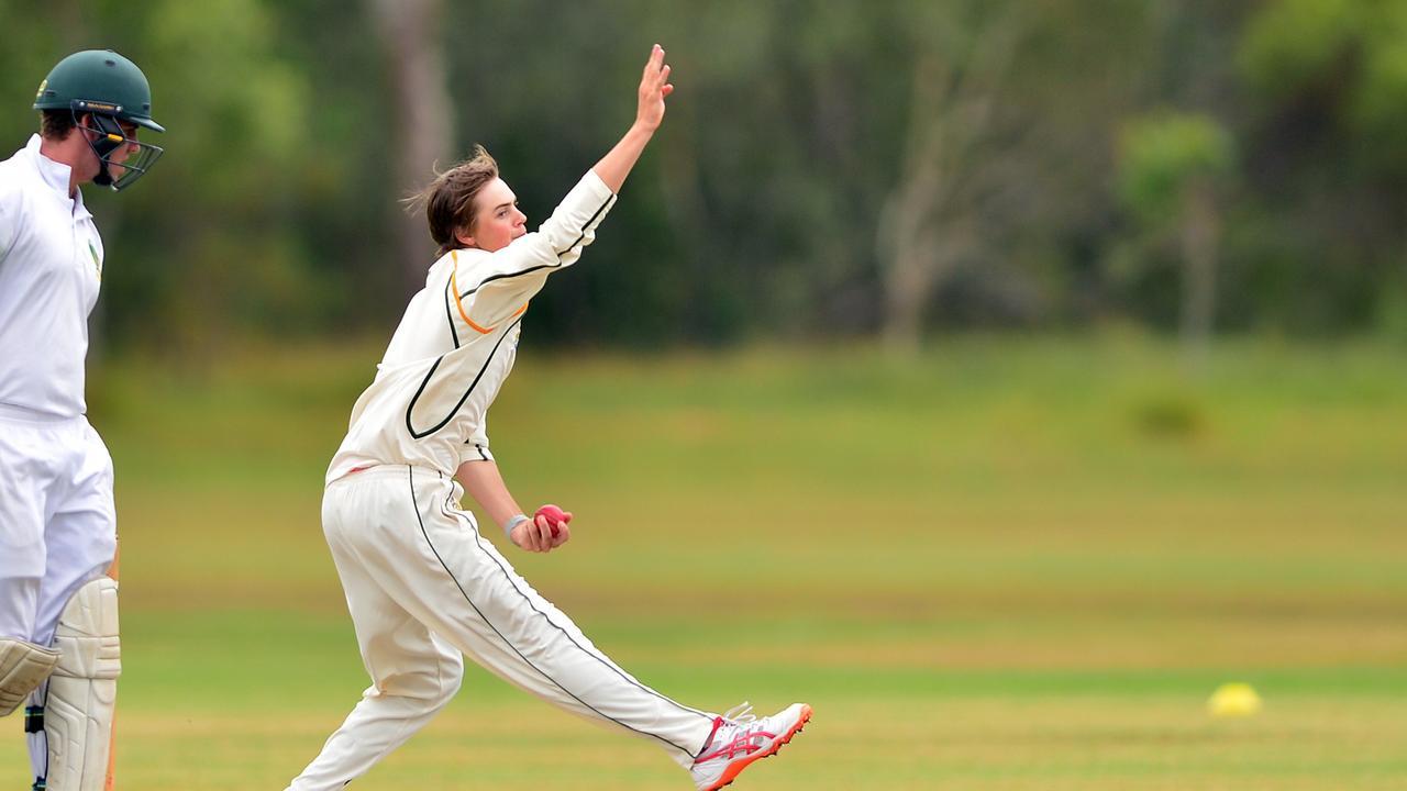 Cricket action in Glasshouse between Glasshouse and Yandina. Joel Owen.