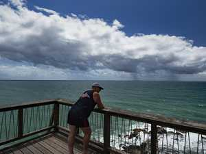Cool change, showers, storms on radar for Coast