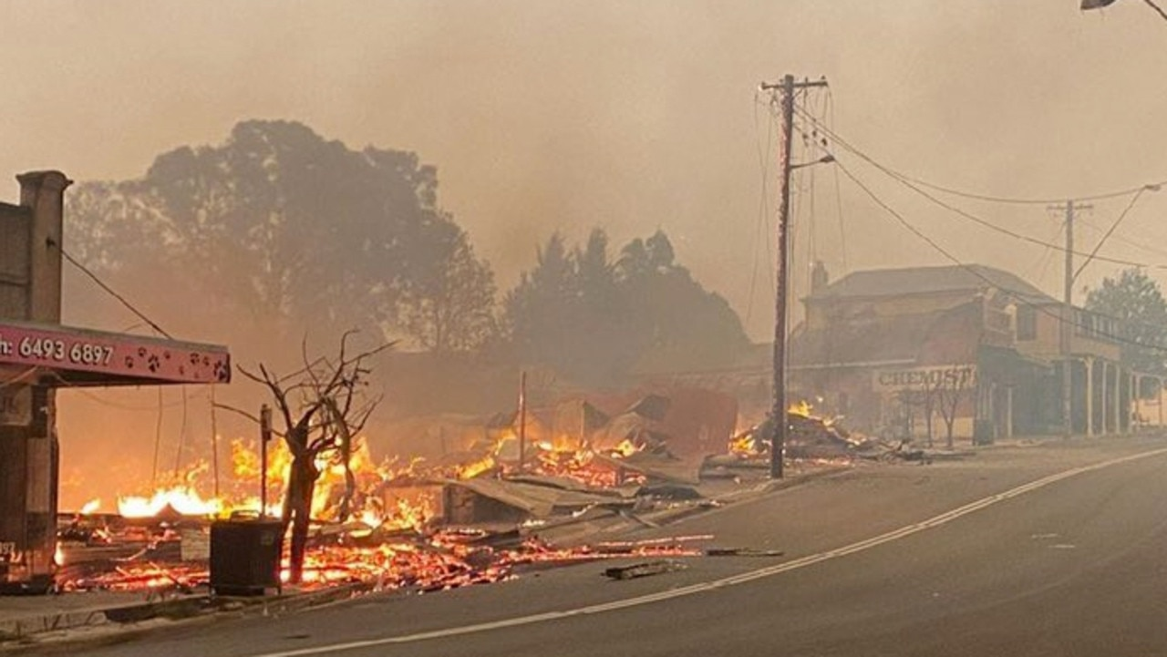 The main street of Cobargo is destroyed by bushfire.
