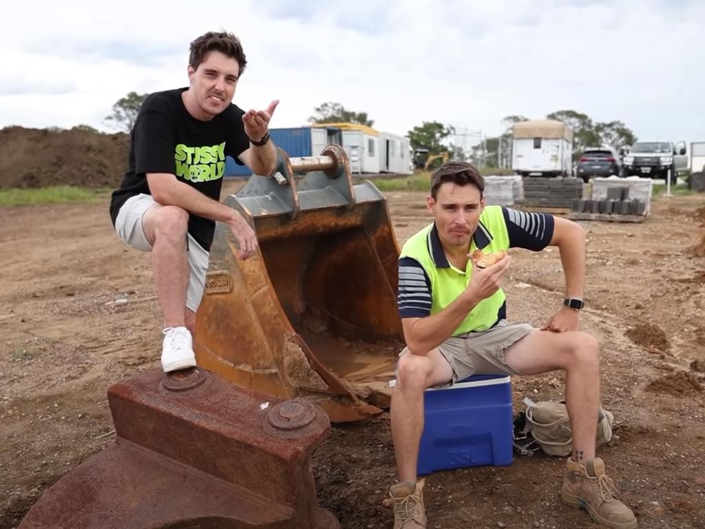 Lazarbeam (L) roped in a former colleague to explain tradie life and the concept of a 'smoko' to the international audience when announcing his custom skin on YouTube.