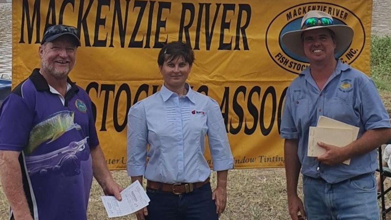 Yancoal Yarrabee, MRFSA and Hanwood Fish Hatchery members at Bedford Weir.