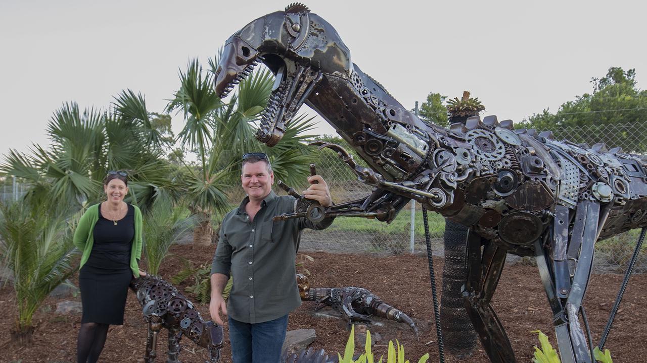 Artist Steve Ross with the Yeppoon dinosaur sculpture.