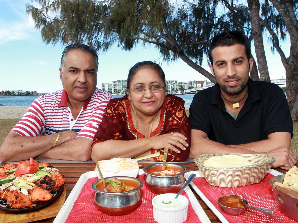 Raj Kumar, Anita Kumar and tandoori chef Nirbhai Singh from The Curry Muncher, Paradise Point.