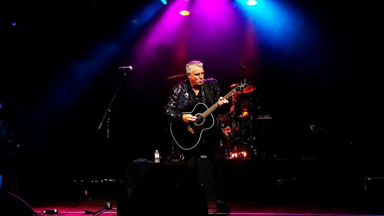 Australian singer Steve Cummins is bringing his Neil Diamond Tribute Show to Leichardt Hotel Rockhampton on March 19.