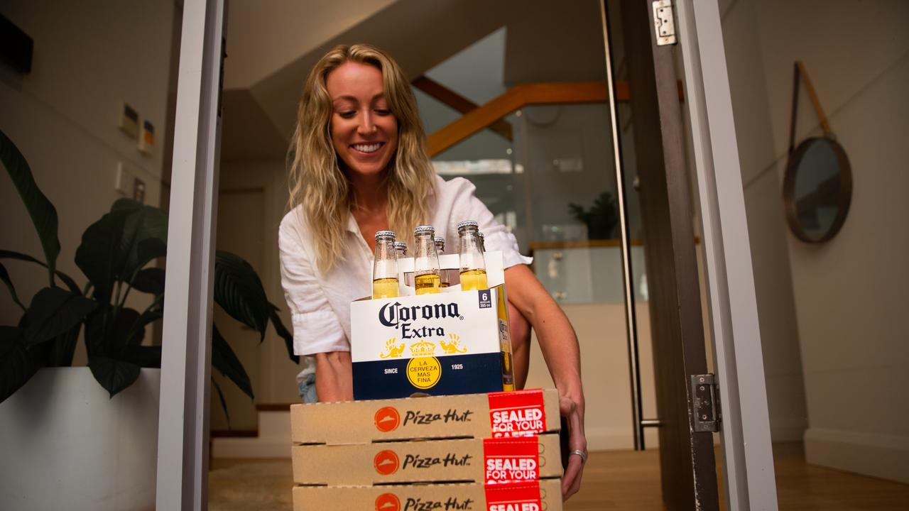 Pizza Hut Australia is now adding beer to its delivery menu, which means you can get a six-pack delivered to your door with your order.