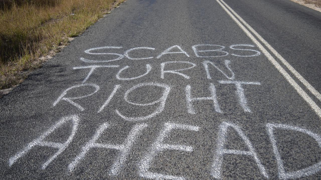A message left for workers who weren't locked out of Glencore's Oaky North Mine.