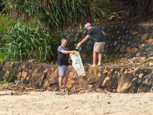 Coolum cafe cleans up with volunteer support