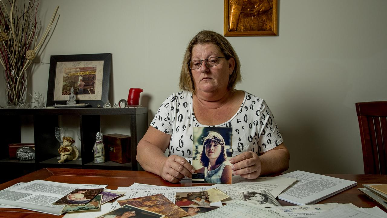 Amanda 'Mandy' Smith holds a picture of her sister Vanessa Joy O'Brien. Picture: Jerad Williams.