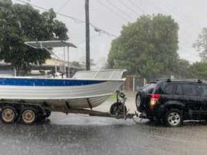 55mm in an hour: Chaos as severe storm slams into Brisbane