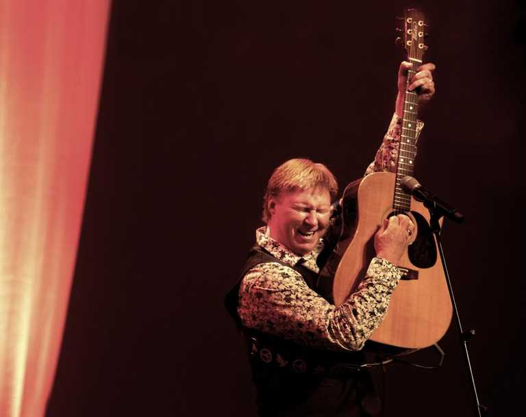 Darren Coggan will bring his show <i>Remember The Days of Cat Stevens</i> to the J Theatre in Noosa on March 27. Picture: Supplied.