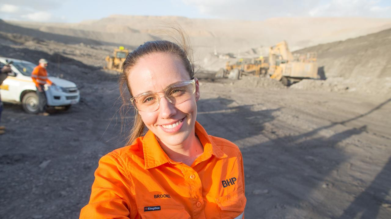 Queensland Resources Council says there are more than 1000 mining jobs across the state on offer.
