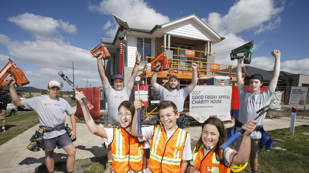 Tradies, architects, real estate agents, security guards and other workers with home state accepted licences and registrations will benefit from mutual licensing reforms. Picture: David Caird