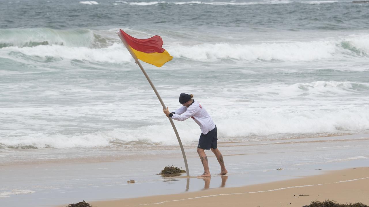 Wild winds at Thirroul beach on Friday. Picture: NCA NewsWire/Simon Bullard