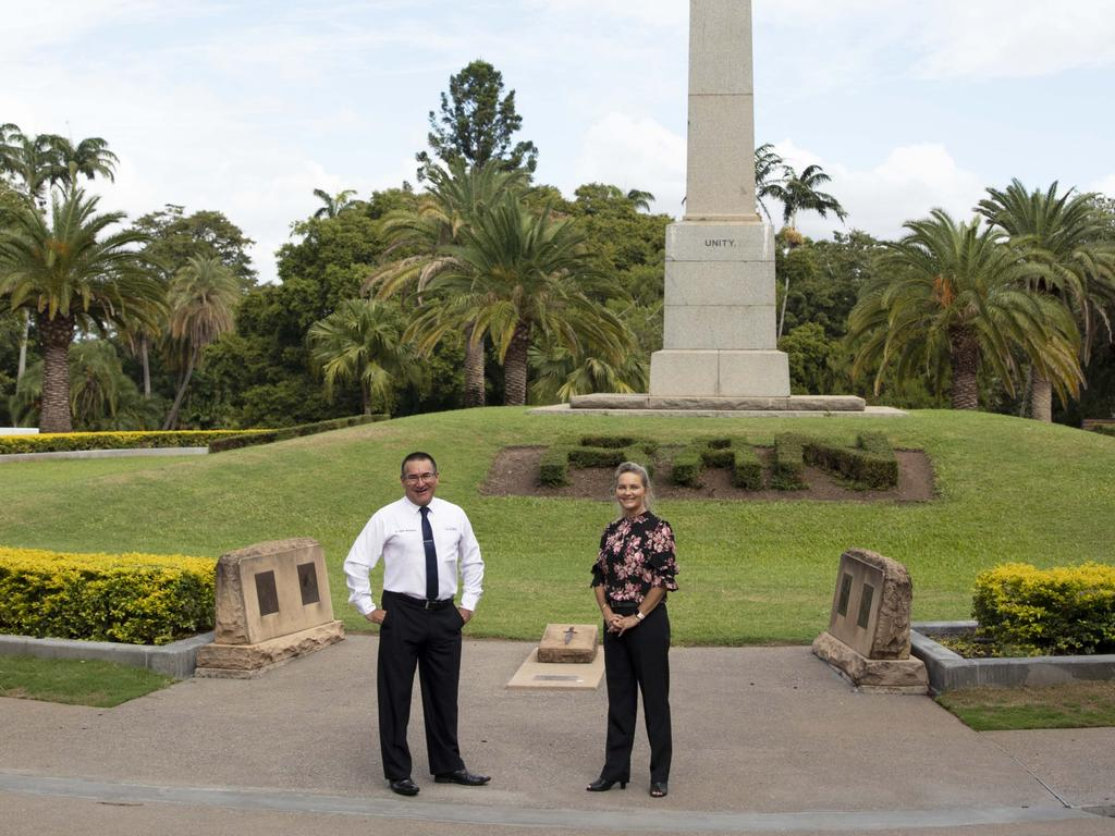 Councillor Drew Wickerson and Cr Cherie Rutherford at the Rockhampton War Memorial. Picture: RRC