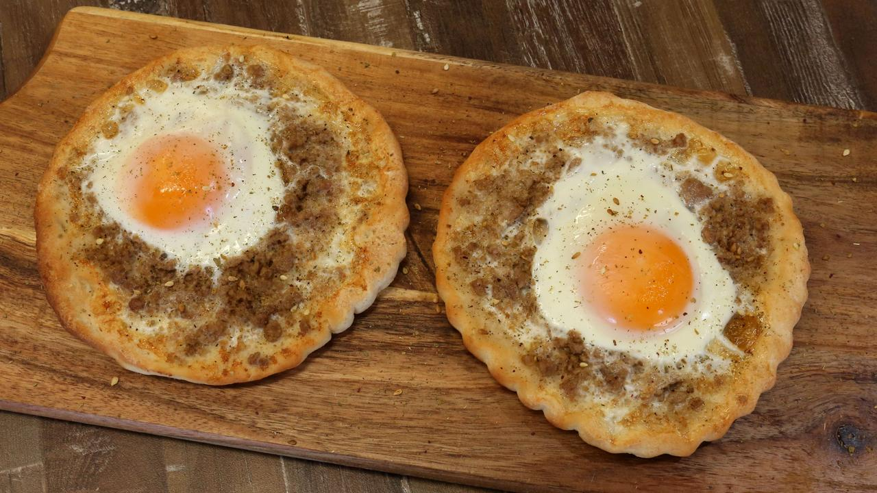 Egg on Pizza? Victorians love to be different! Picture: AAP IMAGE / Robert Pozo.