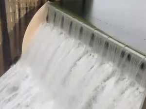 Ministers in battle over delayed dam release