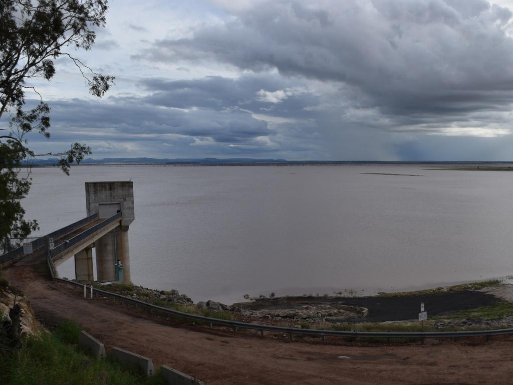 Fairbairn Dam, Emerald.