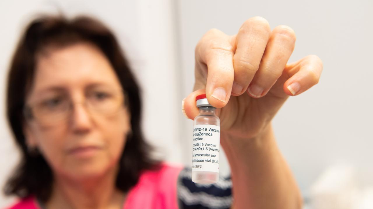 Authorised Nurse Immuniser at Grafton Base Hospital Roslyn Hollis with the AstraZeneca COVID-19 vaccine.