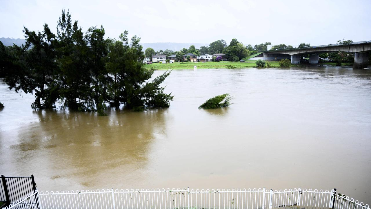 The Nepean River from the balcony of homes in Bellevue Road, Regentville. Picture: Darren Leigh Roberts