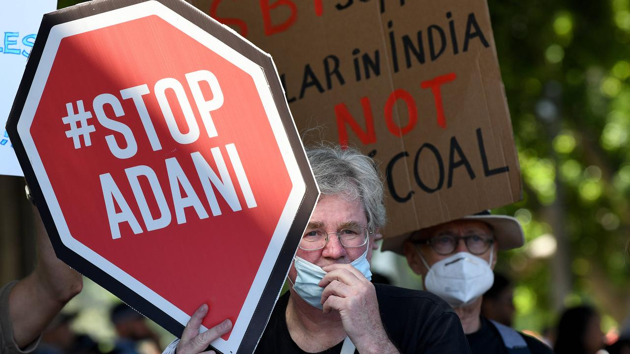 Future Fund chief executive Raphael Arndt says 'no plans to divest' Adani Ports holding.