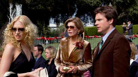 Portia de Rossi, Jessica Walter and Jason Bateman in Arrested Development.