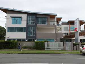 Stripping tradie has Gold Coast on edge over COVID outbreak