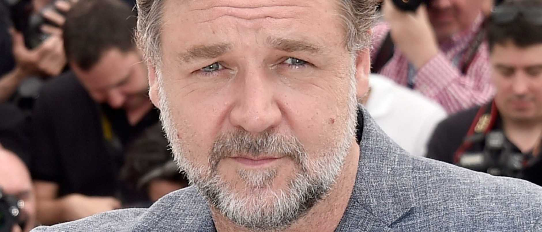 Hollywood heavyweight Russell Crowe has announced the sad passing of his father, John Alexander Crowe, at the age of 85.
