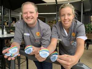 Dentists' bright gift inspires community spirit