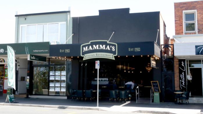 Mamma's Italian waterfront restaurant at Redcliffe. Photo: Steve Pohlner