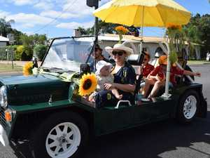 Central Highlands Easter Sunflower street parade, 2021