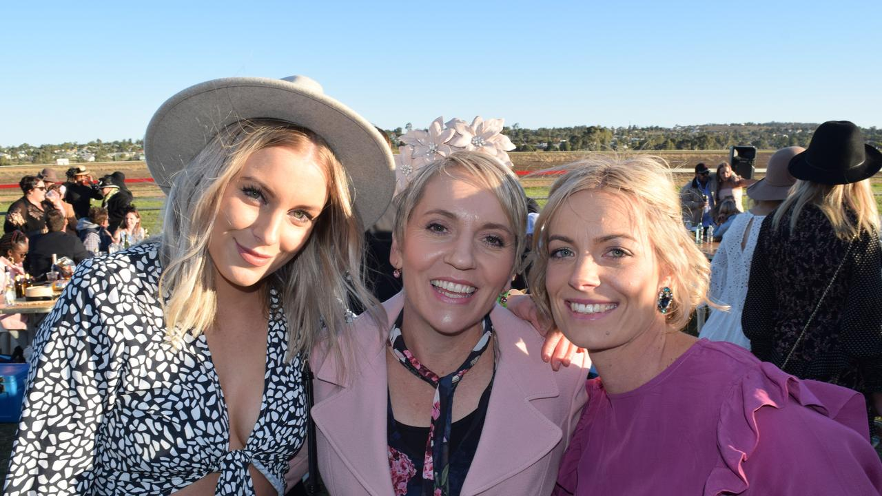 Bree Miller, Donna Watson and Carissa Miller looking fabulous at the 2018 Ergon Energy Warwick Picnic Races.