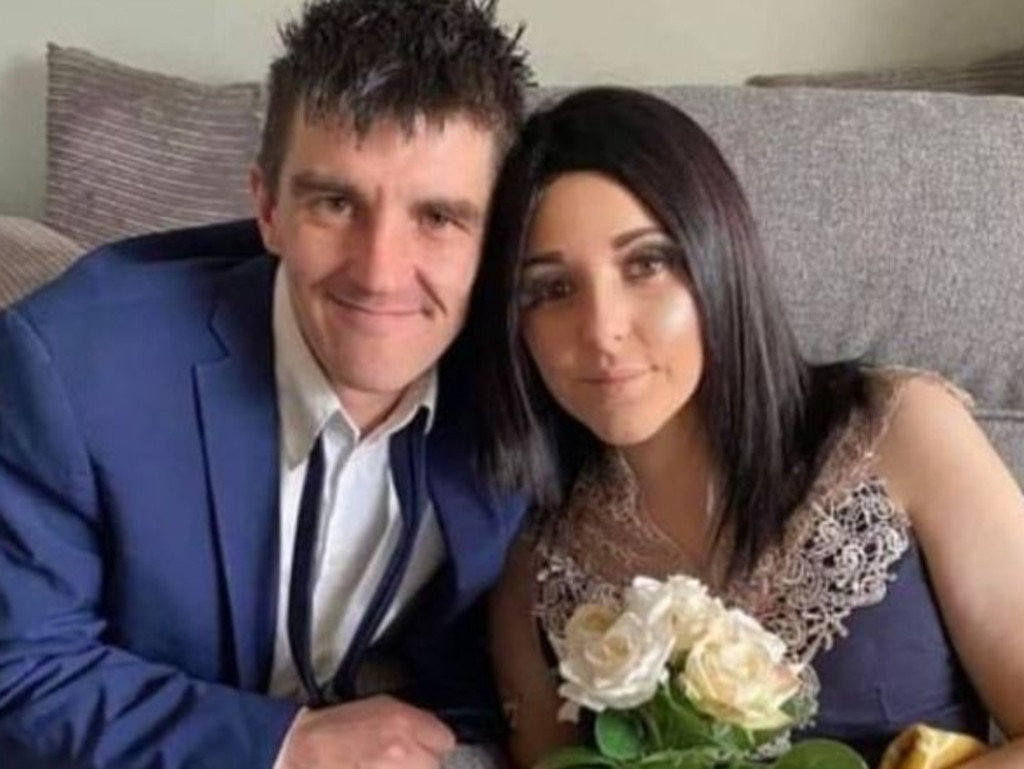 After her terminal diagnosis, she married boyfriend Joshua Evans. Picture: JustGiving
