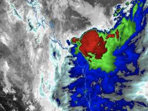 250mm rain, 90km/h winds: Severe weather for Qld coast