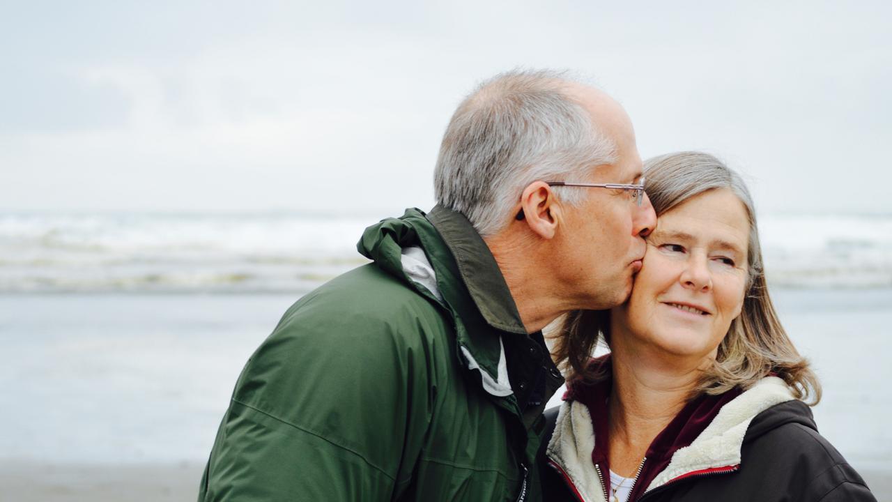 It's estimated around 472,000 Australian live with dementia.