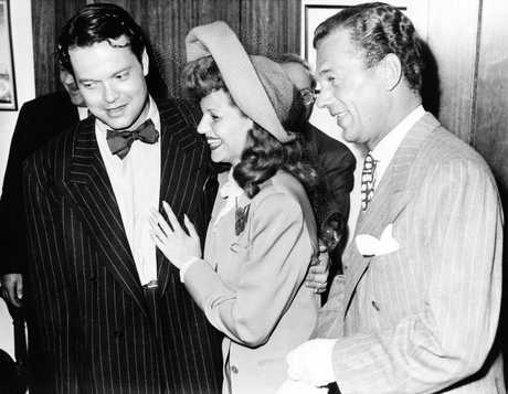 Orson Welles at his wedding to Rita Hayworth, with best man Joseph Cotten on September 7, 1943.