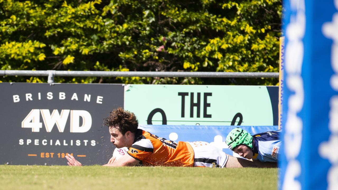 Connor Simpson scores a try. April 10, 2021 - Picture: Renae Droop