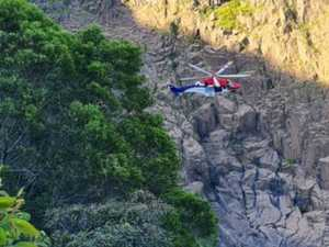 Father and teenage sons rescued after rock climbing incident