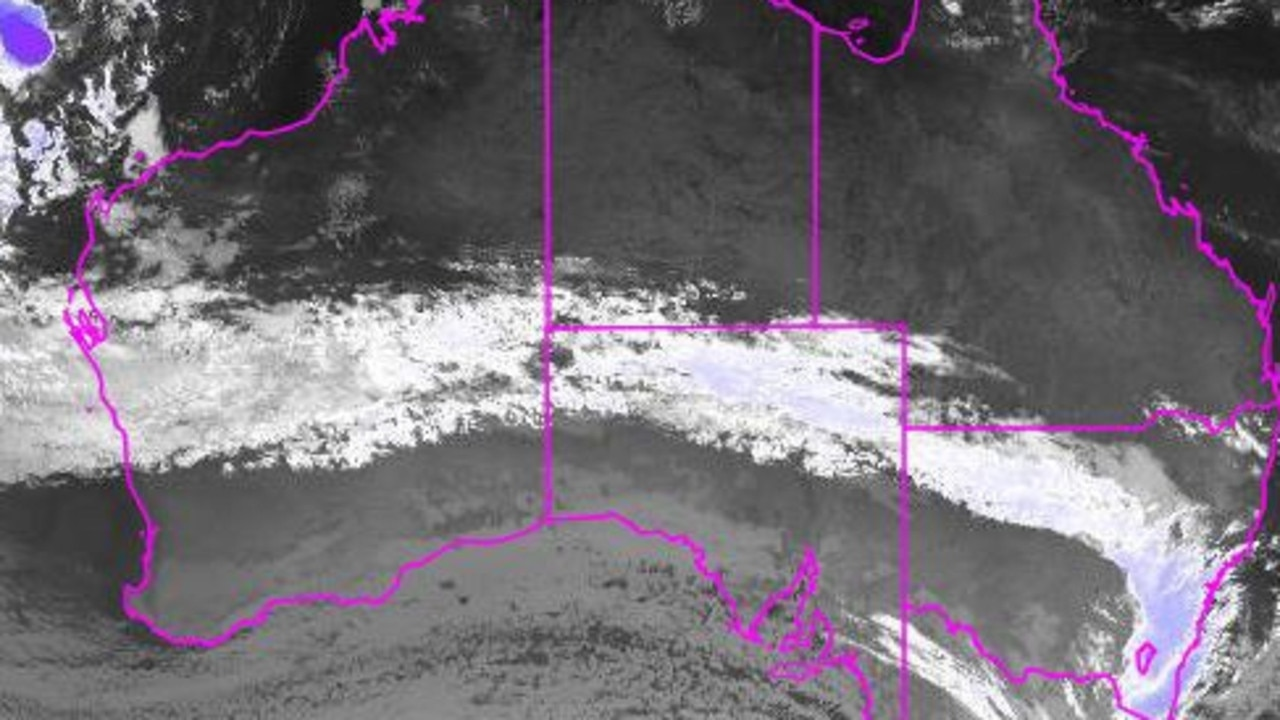 Two cold fronts have started moving across Australia's southern states, with a wintry blast to reach southeast Queensland on Monday morning.