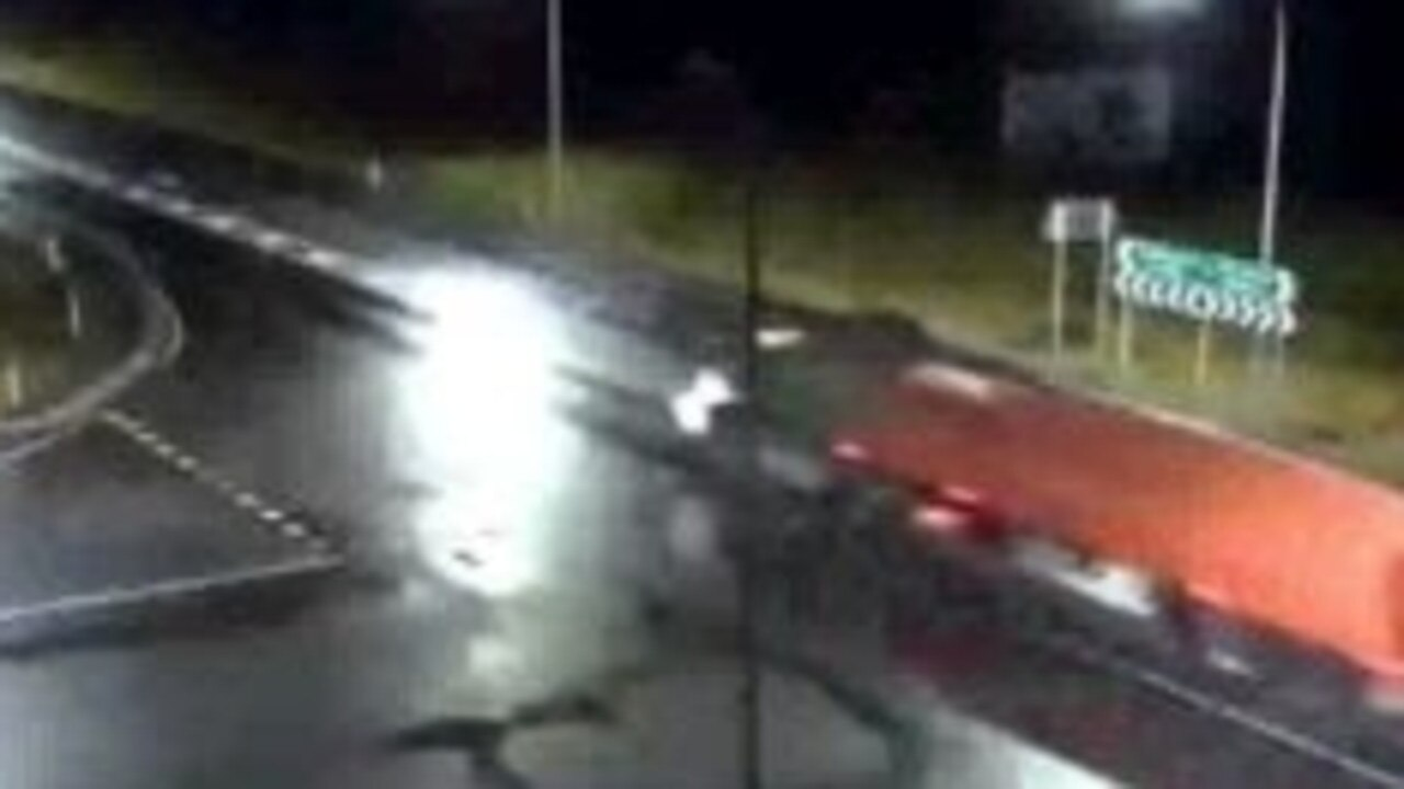 Police put a appeal out for the driver of this truck and another white b-double.
