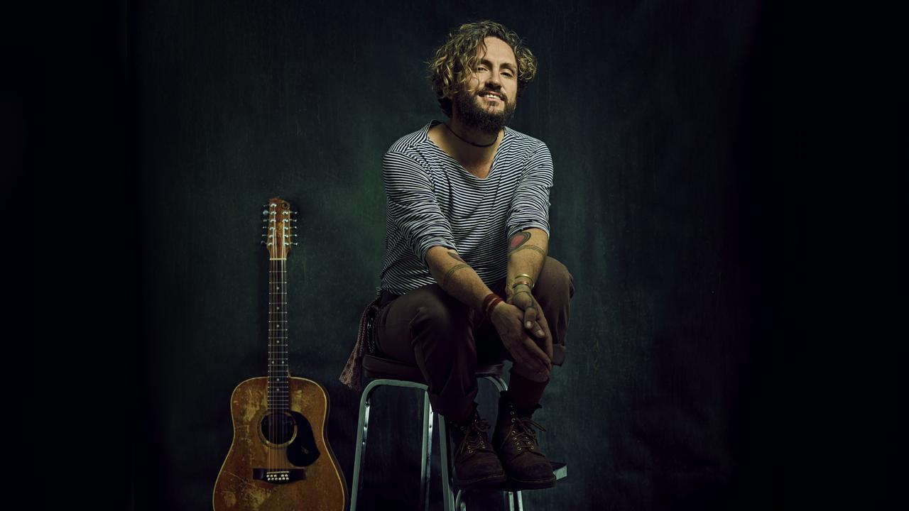 Legendary Australian singer-songwriter John Butler will play an intimate show in Gladstone.