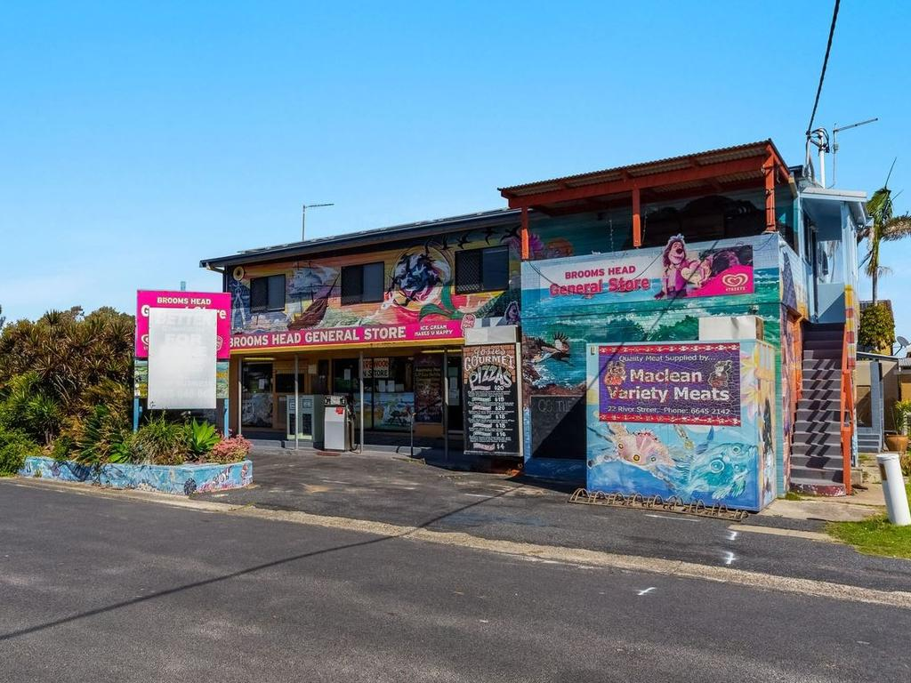 Commercial opportunity: 92 Ocean Road, Brooms Head is up for auction on Saturday April 17, 2021. Photo: Ray White Yamba